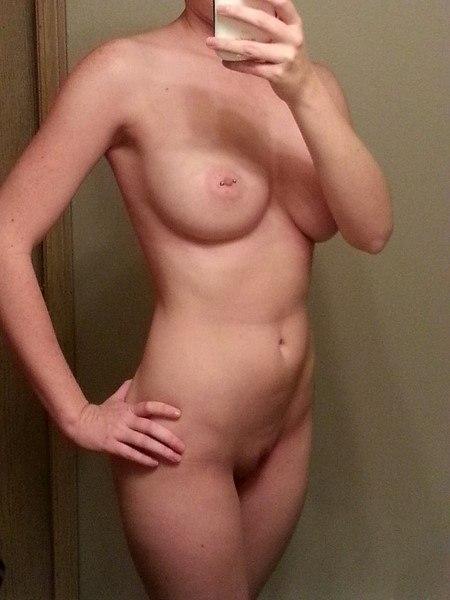 Nana 25 ans cool un peu timide pour rencontre sex