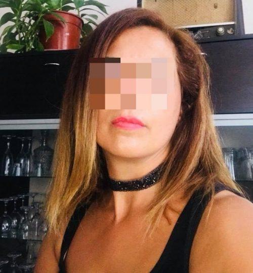 Hôtesse de l'air veut faire des bisous à Hendaye